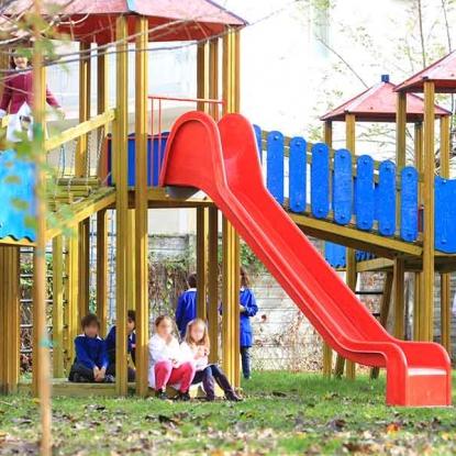 area giochi scuola primaria pesaro