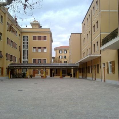 esterno scuola sacro cuore pesaro
